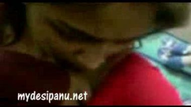 Mumbai sexy bhabi nisha in red saree MMS