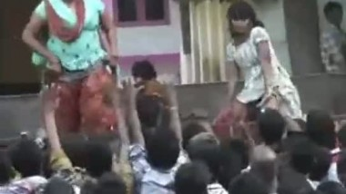 Local Indian girls from Andhra Pradesh dancing vulgar on stage video