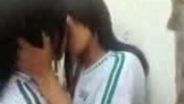 Fsiblog – Indian college girls on lesbian act in campus MMS