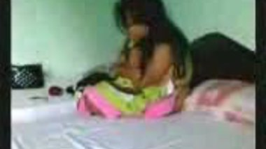 Fsiblog – Desi hot college girl first time with lover MMS