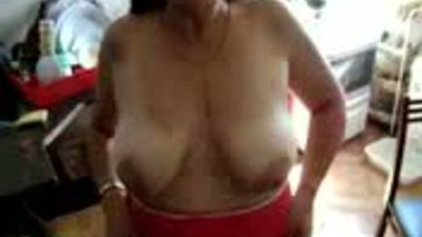 Indian Mother Shows Tits
