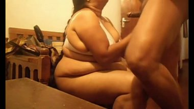 Bbw aunty with lover in hotel room for sex mms