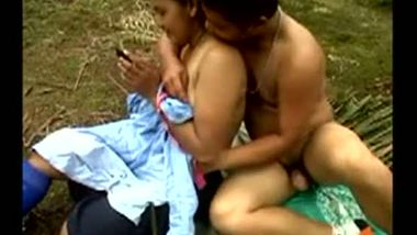 Nepali gym girl's outdoor sex with her lover