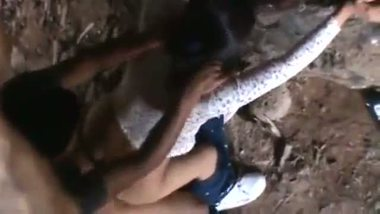 Indian college girl outdoor porn clip