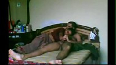 Hot kamwali bai satisfying her boss