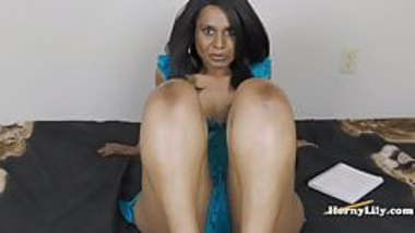 Horny Lily Foot Job (Tamil)
