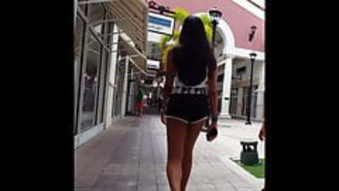 Candid voyeur teen loose gym shorts hottest legs desi