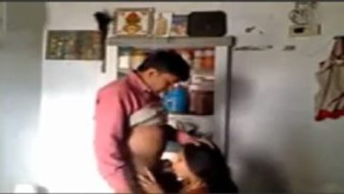 Indian Village Sex MMS Showing Homely Wife In Action