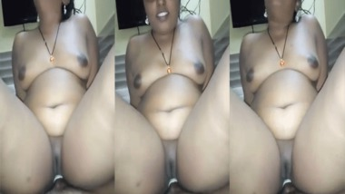 Chubby Tamil riding dick POV Tamil sex video