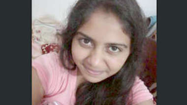 Desi cute sl girl ake her video for bf