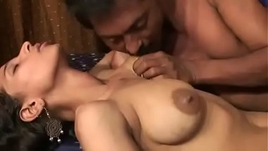 Desi blue film of young girl and mature man doing sex