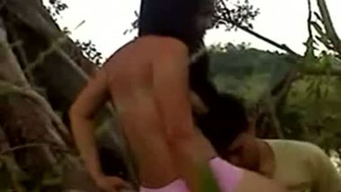 Desi village teen enjoys hardcore outdoor sex with lover
