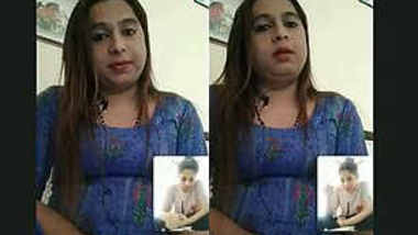 Bihar bhabi decent size booby ,Video call with other bhabi