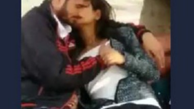 Desi cute lover sucking in park
