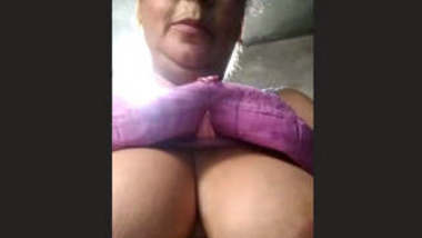 Desi Big boobs aunty showing her boobs